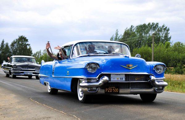 GERIAUSIAS KLASIKINIS AUTOMOBILIS (gamintas nuo 1945 m.) – Cadillac Deville Coupe, pag. 1956 m. Savininkas – Stasys Pranevičius. Ilonos Daubaraitės nuotr.
