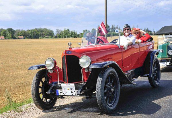 GERIAUSIAS SENOVINIS AUTOMOBILIS (pag. iki 1946 m.) – FIAT 510 S, pagamintas 1922 m. Savininkas – Janis Oskerko (Latvija). Ilonos Daubaraitės nuotr.