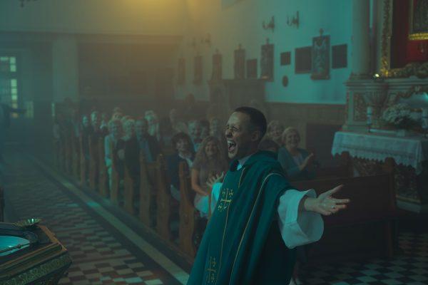 Kadras iš filmo KRISTAUS KŪNAS