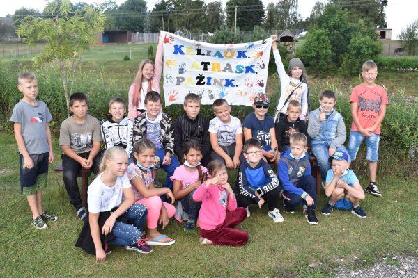 """Kalvarijos gimnazijoje vyko mokinių vasaros poilsio stovykla """"Keliauk. Atrask. Pažink."""