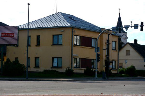 Namas Marijampolės S.Dariaus ir S.Girėno gatvėje, jame, taip pat teko dirbti SKB specialistams