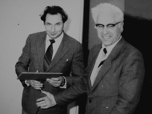 Garbės raštu, Mašinų gamintojų dienos proga, 1987metais apdovanojamas J. Augustaitis
