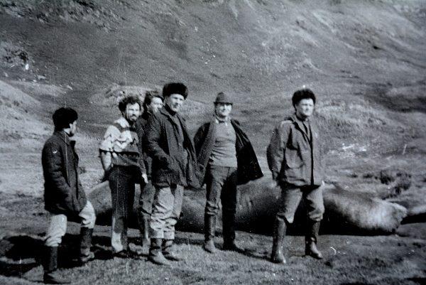 Karaliaus Jurgio saloje su laivo darbuotojais
