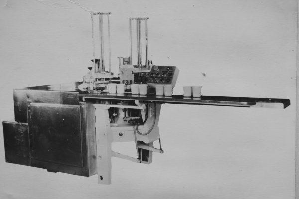 Grietinės fasavimo automatas M6-ARD