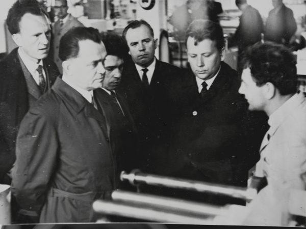 Laboratorijos svečias – ministro pavaduotojas V. Kopilovas po visasąjunginio pasitarimo MPAG 1972 m