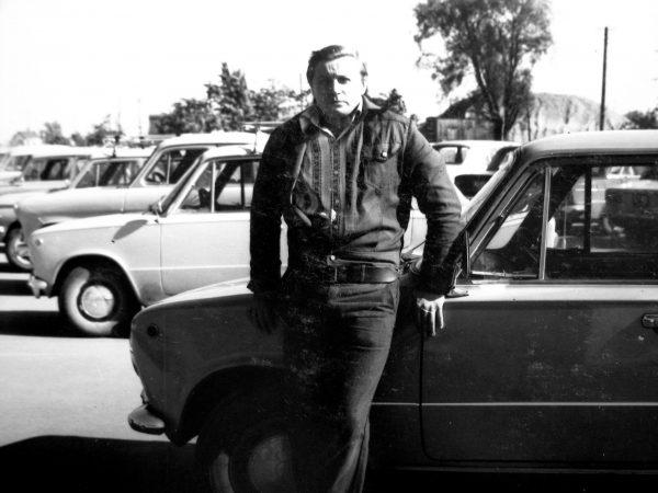 """Laboratorijos darbuotojas, inž. Edvardas Jakubauskas – dviračių sporto meistras, autoralio """"Kapsukas – 79"""" antrosios vietos laimėtojas"""