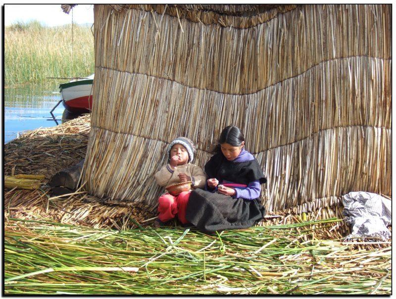 Peru-Bolivija, Titikakos ežero Uros salelių gyventojai