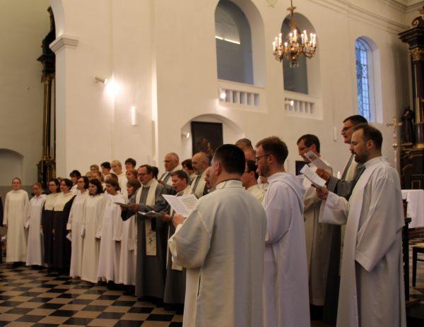 Choralo giedojimo mokymai Marijampolės bazilikoje