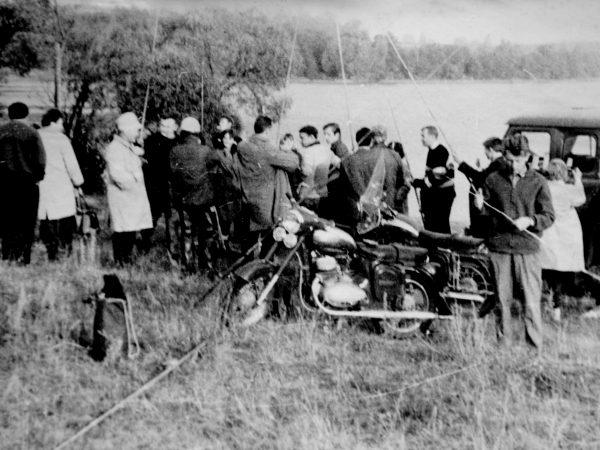 Žvejai ruošiasi žūklei prie Vištyčio ežero