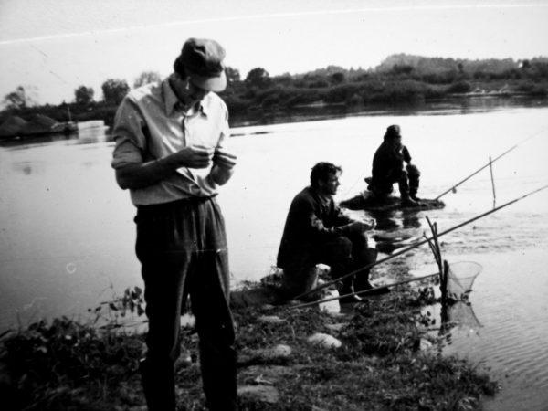 Žvejų – technologų komanda. Priekyje – R. Uckus