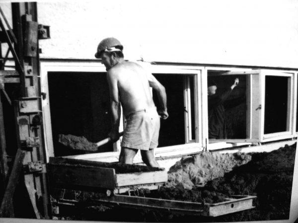 A. Bernotas talkina statant SKB 1983 m.