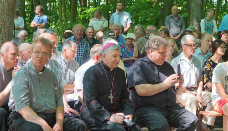 Budavonėje paminėtos trijų vyskupijos kunigų žūties 80-osios metinės