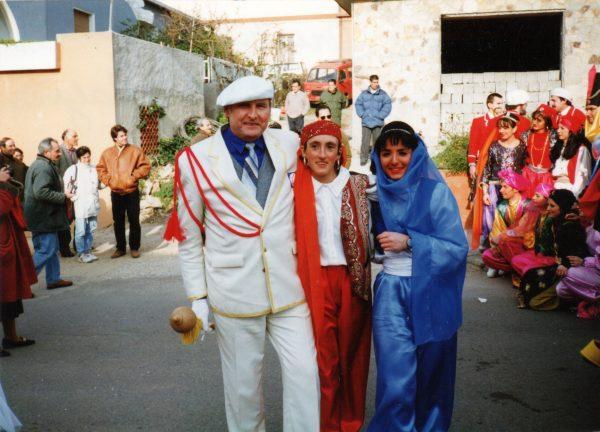 R. Bernota su festivalio dalyvėm graikėm