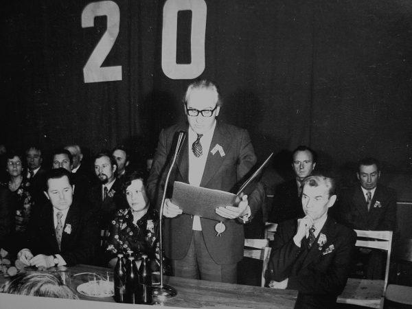 SKB pasveikinti su 20-mečiu atvyko Respublikinio mašinų gamintojų komiteto pirmininkas S. Dringelis