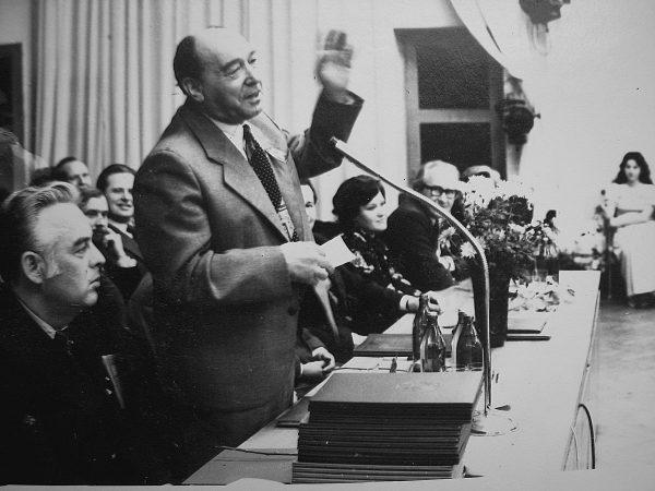 1979 m. SKB 20-mečio proga sveikina pirmasis SKB viršininkas ir įkūrėjas M. Bychovskis