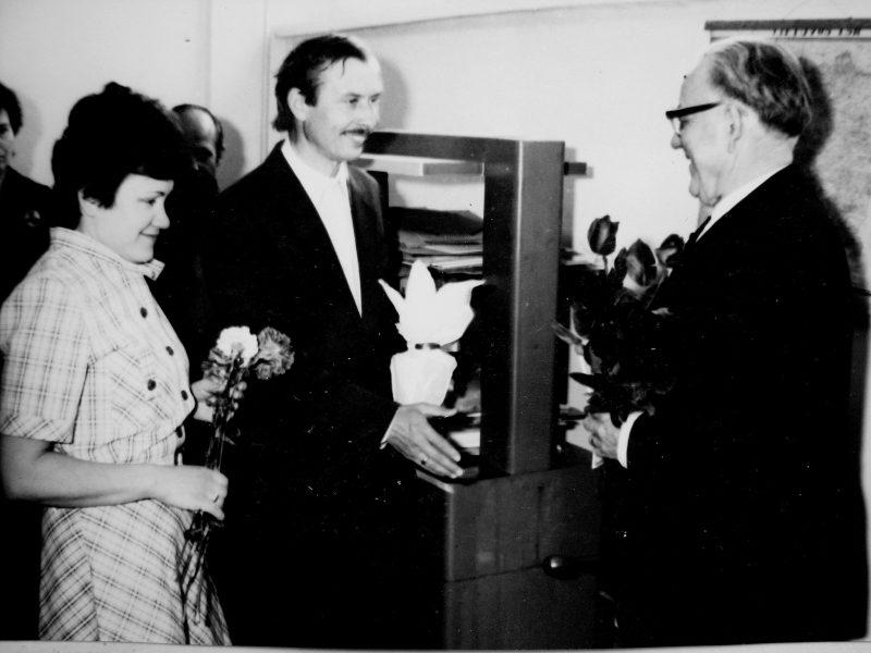 Knygrišiui V. Gavėnui – 70 metų! Sveikina SKB profsąjungos komiteto pirmininkas A. Rutkauskas ir G. Naidzinavičienė