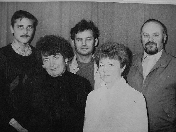 Tiekimo grupė 1989 m .R. Nedzinskas. O. Menkevičienė, Kaleininkas. D. Vyšniauskienė, vyr. mechanikas P. Pečiulis