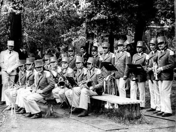 R. Bernota su pučiamųjų orkestru