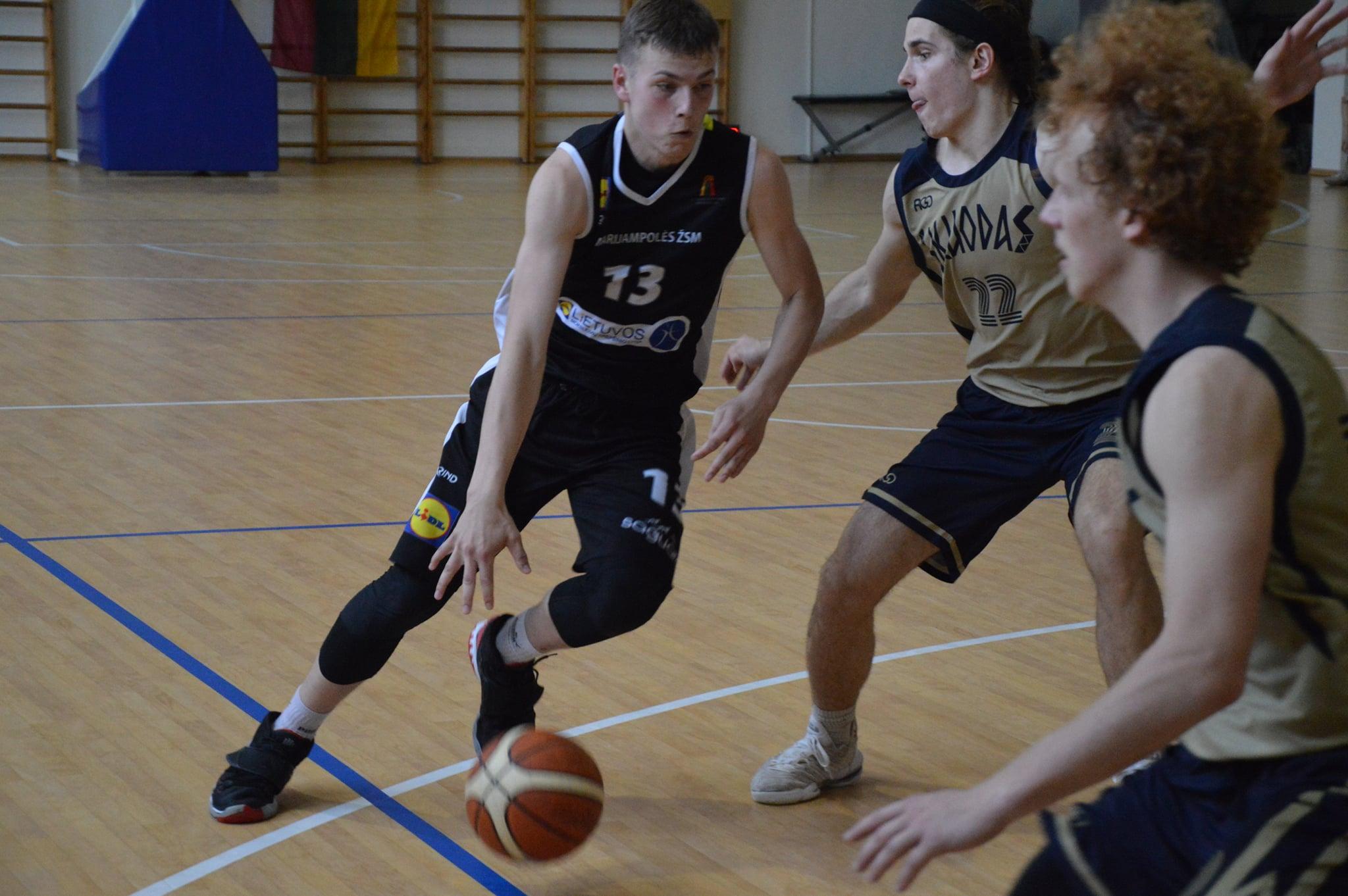 Marijampolės SC krepšininkai MKL u18 B diviziono 2-osios vietos laimėtoja
