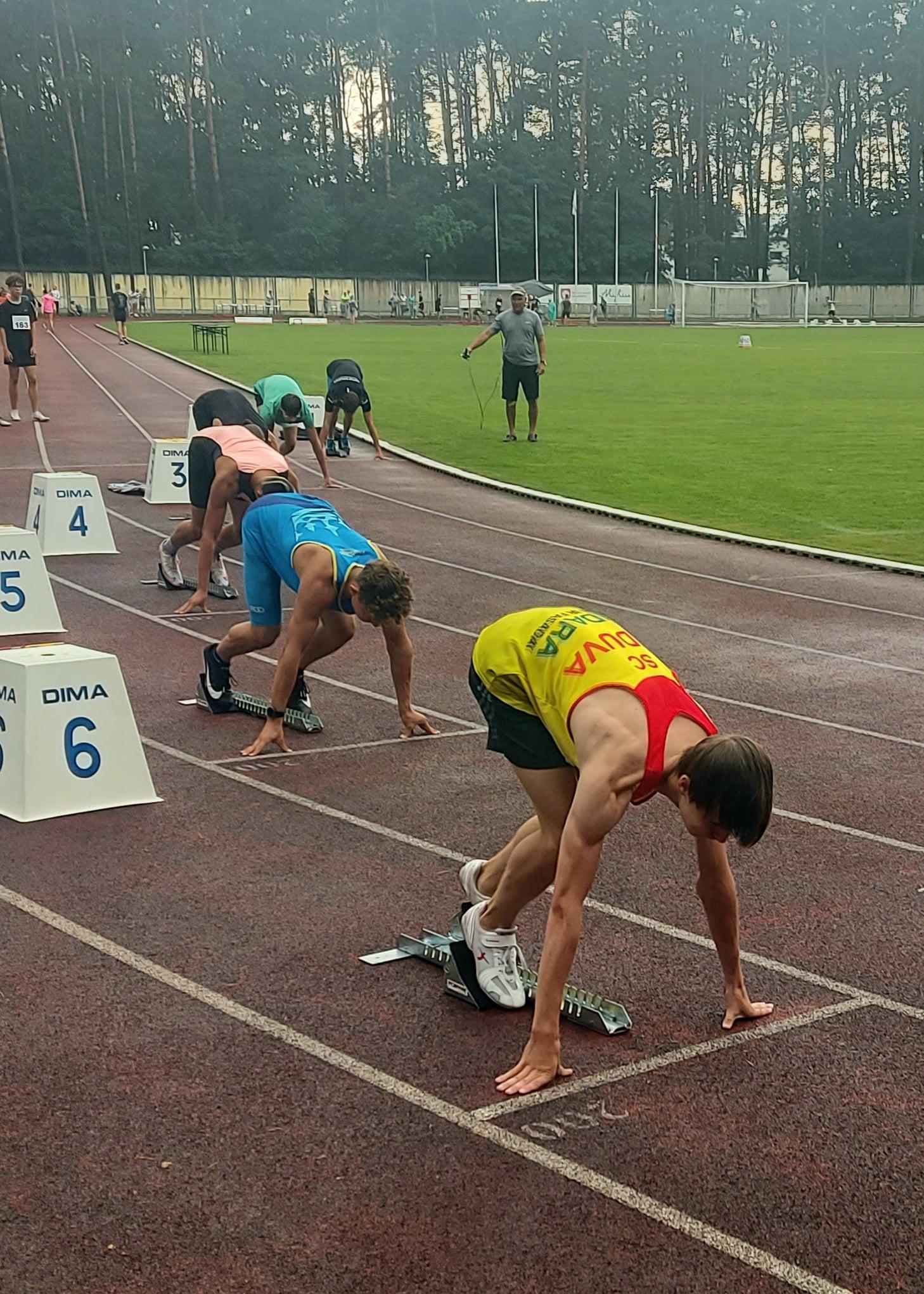 400 m. bėgimo startas