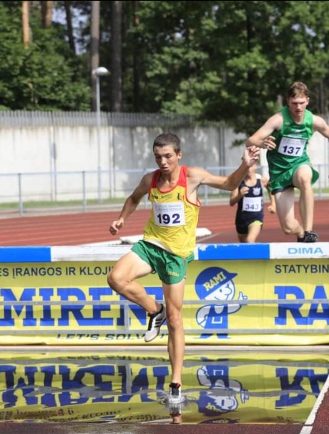 Airidas Bendaravičius: kliūtinis bėgimas