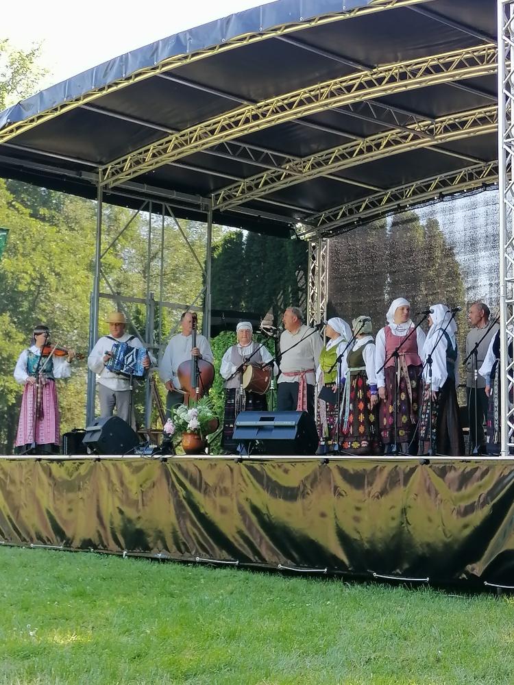 Scenoje – griškabūdiečių folkloro kolektyvas