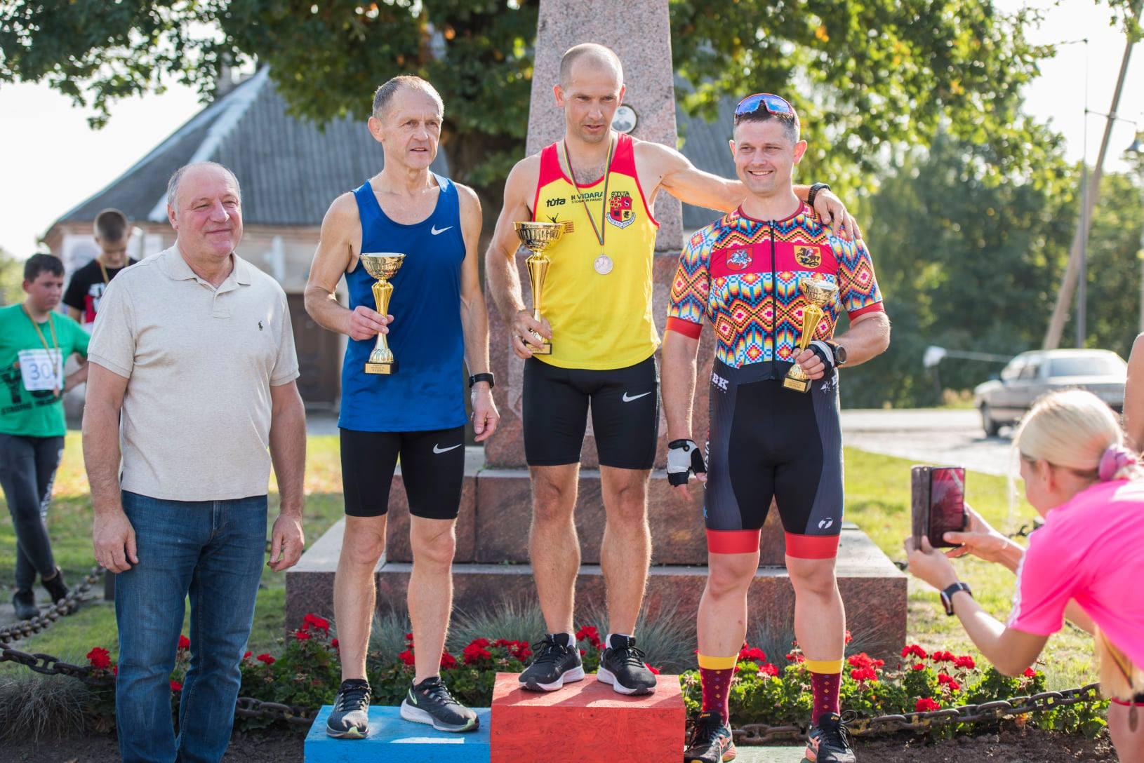 Giedrius Šlekys - 1 vieta; Alvydas Zenkevičius - 2 vieta, Darius Višinskas - 3 vieta